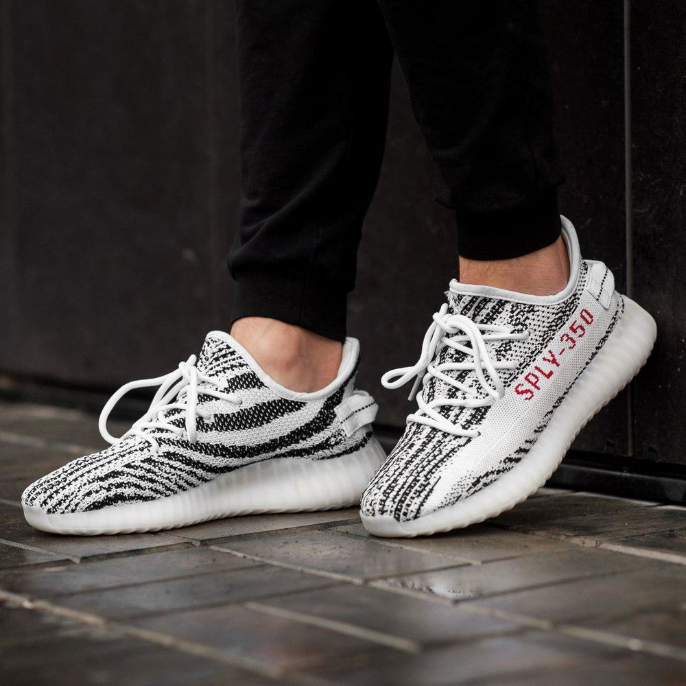huge discount 13a1e 37c06 Adidas Yeezy Boost 350 Black and White ( Реплика ААА+ )